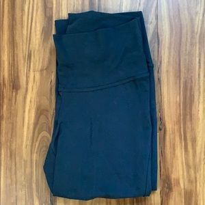 Old Navy Pants - Old Navy Grey Roll-Panel Yoga Capris